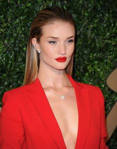 Celebrity Hairstyles: The Hottest Hairstyles in Hollywood Right Now! Swept Back , Love her !