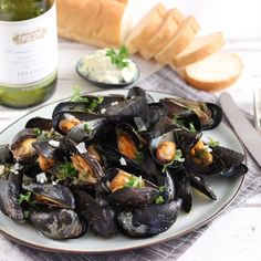 Dutch Recipes, Fish Recipes, Cooking Recipes, Clams Seafood, Fish And Seafood, Avocado, Pasta, Mussels, Good Healthy Recipes