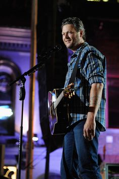 Blake Shelton 2014 CMT Music Awards - Show