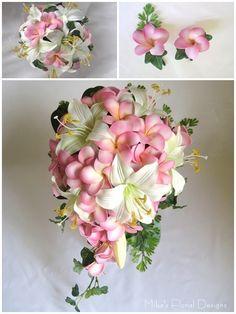 Gigli bianchi e frangipane profumati, per un bouquet dal sapore estivo.