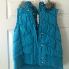 Aeropostale Perfect condition color is dodger blue with a plaid design on the inside the colors on the inside or white black blue and green. It has a hood that can be zipped off or on.  This jacket is for a junior size, Not a woman. Aeropostale Jackets & Coats Vests