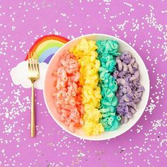 Food is already a magical, glorious thing. Bagels were a delight before we started packing them with food colouring. Sushi was a delicious, overpriced treat before we felt the need to make our rice glow purple. And then there were the healthy ways of making coloured food with rainbow salads. Now there's rainbow mac and cheese.