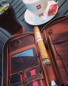 Rounding off the day with more coffee a cold coke & an RA Gran Robusto ER Benelux 2008. Travelling back home tomorrow . . #botl #sotl #coffeeandcigars #edicionregional #2008 #benelux #ramonallones #cigaroftheday #mypjcase #whiskywingman #howiroll #showpony #justwingit #myhotellife #homefromhome #cigarstyle #doyouevendrambro #cigarporn #cigaraficionado #stdupont #coffee #caffineaddict