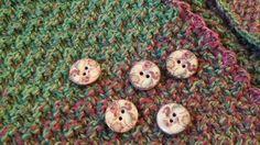 Quadrate-Jacke aus 12 Einzelteilen - schnell gemacht Textiles, Knitting, Womens Fashion, Diy, Cardigan Sweater Outfit, Knits, Dots, Diy Clothing, Crochet Clothes