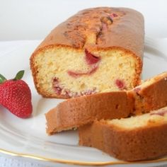 Strawberry corn flour pound cake