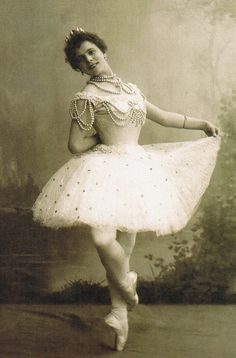 """Pierina Legnani (1863-1923), Prima ballerina assoluta of the St. Petersburg Imperial Theatre, costumed for the first act of the original production of the 1896 ballet """"La Perle""""."""