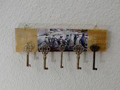 Edles+Schlüsselbrett,Hakenleiste,Piguin+Motiv,Holz+von+Schlueter-Home-Design+auf+DaWanda.com