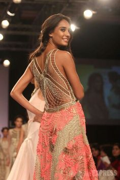 Lisa Haydon twirls around to show off the intricate pattern on the back of the creation at the Lakme Fashion Week 2014 Indian Dresses, Indian Outfits, Big Fat Indian Wedding, Ethnic Wedding, Lisa Haydon, Bollywood Fashion, Bollywood Style, Asian Fashion, Fashion Beauty