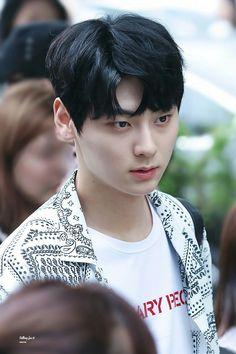 Minhyun so handsome Nu Est Minhyun, Nothing Without You, Eric Nam, Lai Guanlin, Produce 101 Season 2, Ong Seongwoo, Lee Daehwi, Kim Jaehwan, Ha Sungwoon
