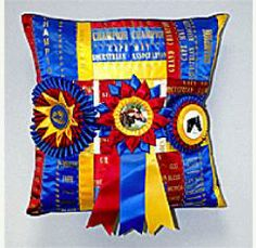 Horse show ribbon pillow. Good idea for cow show ribbons too. Ribbon Quilt, Ribbon Art, Diy Ribbon, Ribbon Crafts, Ribbon Projects, Horse Ribbon Display, Horse Show Ribbons, Award Display, Equestrian Decor