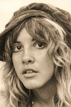 Stevie Nicks has such a beautiful mouth..and smile..and eyes. Basically her whole face is a work of art! xxx