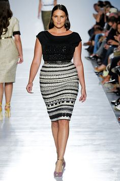 So pretty! The perfect Curvy black & white skirt!