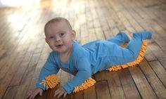 Praktisch: So helfen Babys bei der Hausarbeit!