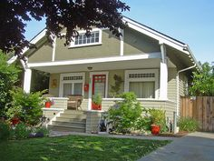 House Colors Craftsman Exterior Gallery | Craftsman-style-home-exteriors-look-great-in-neutral-tones.
