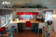 Vintage camper becomes craft room. great idea for a studio when you haven't got the space. Craft Room Storage, Craft Rooms, Craft Space, Space Crafts, Vintage Campers, Vintage Airstream, Vintage Caravans, Vintage Travel Trailers, Airstream Decor