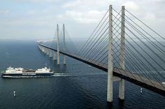 جسر يتحول الى نفق تحت الماء يربط الدنمارك بالسويد - ثقافات العالم دنمارك بالسويد - ثقافات العالم - Bridge with Tunnel underwater between Danemark and Sweden - longer 8 KLM - 4 km bridje - 4 km tunnel
