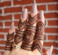 Get Latest Collection of Amazing Unique Henna Tattoo Designs here. Simple and Easy Henna Tattoos Ideas Photos for Hands, Arms, Back, Wrist, Feet. Mehndi Designs Finger, Henna Tattoo Designs Simple, Henna Hand Designs, Modern Mehndi Designs, Mehndi Design Pictures, Mehndi Designs For Beginners, Bridal Henna Designs, Mehndi Designs For Fingers, Beautiful Henna Designs