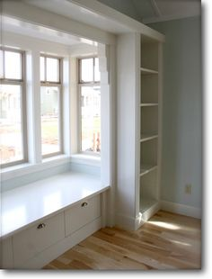Small Bay Window Seating Built Ins Ideas House Design, House, Built Ins, Window Seat Kitchen, Windows, New Homes, Contemporary House, Contemporary Home Decor, Bay Window Seat
