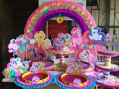 my little pony My Little Pony Party, Fiesta Little Pony, Cumple My Little Pony, Rainbow Dash Party, Unicorn Birthday Parties, Unicorn Party, My Little Pony Decorations, Carousel Party, Little Poney