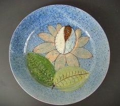 """Vintage 1940 Mexican Tlaquepaque art deco tourist pottery plate 10 5/8"""" diam. #4"""