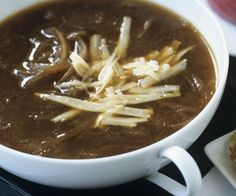 Vegetarians, Try This Delicious Vegetarian French Onion Soup Cauliflower Soup Recipes, Onion Soup Recipes, Vegan Cauliflower, Chili Recipes, French Onion Soup Ingredients, Whole Food Recipes, Cooking Recipes, Vegetarian Recipes Easy, Vegetarian Soups