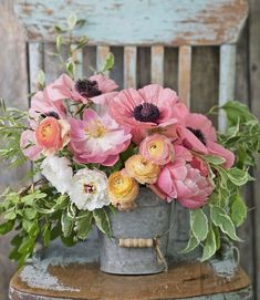 These Gorgeous Paint-by-Number Kits Feature Everything We Love About the Country. - These Gorgeous Paint-by-Number Kits Feature Everything We Love About the Country Country Living Paint-By-Number Kits – Order Country Pictures on Canvas Beautiful Flower Arrangements, Pretty Flowers, Silk Flowers, Floral Arrangements, Country Flower Arrangements, Flowers Vase, Fresh Flowers, Deco Floral, Arte Floral