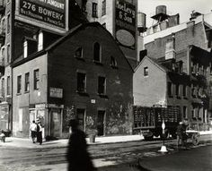 Mulberry and Prince Streets, Manhattan. (1935)