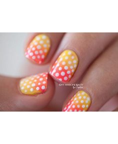 Does this gradient polka dot mani not remind you of a tasty, ice cold, tropical cocktail?   Click here for the tutorial courtesy of myawesom...