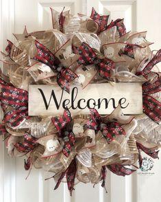 Welcome Christmas/Winter Uploaded by CJs Heartfelt Wreaths Christmas Door Wreaths, Holiday Wreaths, Christmas Crafts, Christmas Decorations, Winter Wreaths, Xmas, Wreath Crafts, Diy Wreath, Wreath Making