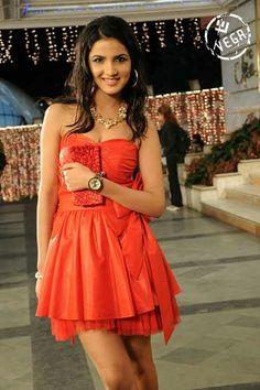 Jasmin basin Tashan E Ishq, Indian Fashion, Womens Fashion, Prom Dresses, Formal Dresses, India Beauty, Actress Photos, Cute Couples, Jasmine