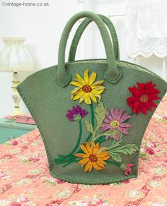 Would LOVE to have this!!   Vintage Home Shop - 1930s Handmade Wool Felt Dahlias Bag: www.vintage-home.co.uk