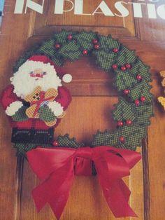 Santa Wreath 1/2