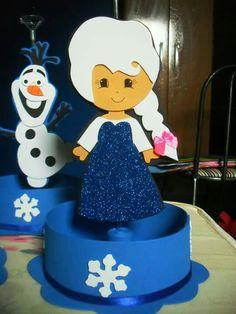 Centro de mesa frozen por Patrícia Souza