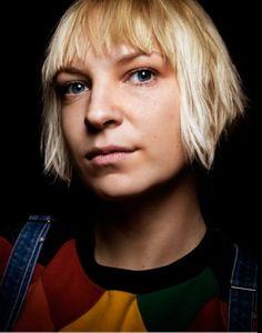 Sia's voice makes me joyful :)