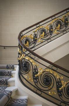 74 Inspirational Photos Of Iron Hand Rail Staircase Railing Design, Interior Stair Railing, Metal Stair Railing, Stair Handrail, Exterior Stairs, Cast Iron Railings, Wrought Iron Handrail, Iron Handrails, Main Gate Design