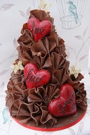 Don't like the hearts. But love the chocolate ruffle look! Maybe with white chocolate. Gorgeous Cakes, Pretty Cakes, Amazing Cakes, Unique Cakes, Creative Cakes, Simple Cakes, Elegant Cakes, Heart Wedding Cakes, Valentines Day Cakes