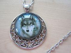 Ketten mittellang - Halskette KLUGER WOLF Cabochon Kette Wölfe Sterne - ein Designerstück von PearlsForMermaids bei DaWanda