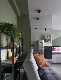 Truque simples: use espelhos para ampliar o ambiente Interior Design, Home, Living Rooms, Boy Photography Poses, Wooden Sofa, Great Ideas, House Building, Home Decor Ideas, Living Room
