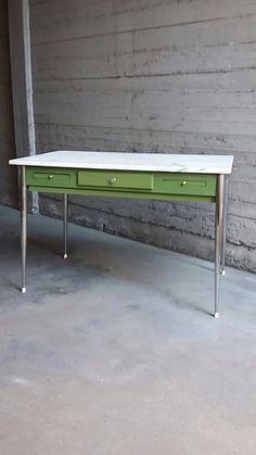 Tavolo Da Cucina Con Piano In Marmo Usato.176 Fantastiche Immagini Su Trovi Da Noi About Us