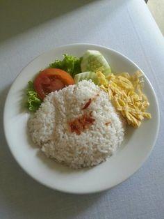 Masakan yg tidak pernah bosen, bisa disantab bersama sambal goreng daging atau tempe teri..
