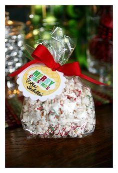 White Chocolate Popcorn -- & several other easy snack gift ideas with cute printable tags....totally going to make these!!!