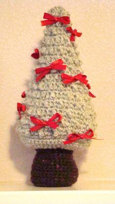 Crochet Christmas Tree free pattern