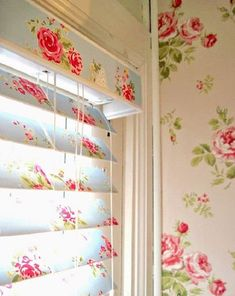 How To Cover Blinds with Wallpaper - these decoupaged blinds look very shabby chic. Wonder if you could decoupage scrap book paper or fabric to them It be so cute in my craft room Shabby Chic, Mod Podge Crafts, Home Projects, Shabby, Chic Decor, Home Decor, Blinds For Windows, Window Coverings, Diy Decor