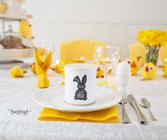 Gratis print til påske! Pringles-wrapper =) Påskehare // Gratis // Pringles-wrapper Printer, Tableware, Dinnerware, Printers, Tablewares, Dishes, Place Settings