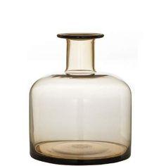 Farbiges, durchscheinendes Glas macht den besonderen Charme der Pastello-Serie aus, die zwei Flaschenvasen und - in der Pastellinos-Variante - drei Minivasen umfasst. Alles wunderbar zu kombinieren und dekorieren, ob mit oder ohne Blumen oder Zweige.