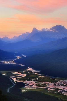 Sunrise at Sunset Lookout, Banff, Canada, by Victor Liu, on 500px.
