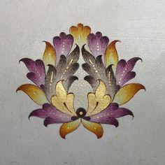 Bahar çiçeği/spring flower Fabric Painting Tutorial: Within this tutorial we'll tell you guidelines Islamic Art Pattern, Arabic Pattern, Pattern Art, Amazing Drawings, Art Drawings, Motifs Islamiques, Illumination Art, Turkish Art, Mandala Drawing