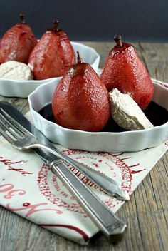 Authentic Suburban Gourmet: { Spicy Poached Pears with Cinnamon Cream }