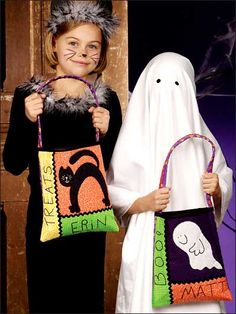 Sewing Pattern for Trick-or-Treat Bags. Free Pattern from www.freepatterns.com. These are too cute!