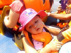 Ana Sofia disfrutando del viaje en lancha rápida por el Río Grijalva en dirección al Cañón del Sumidero